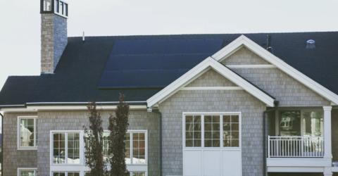 Rekordni zajem o fotovoltaicke elektrarny mohou usetrit tisice